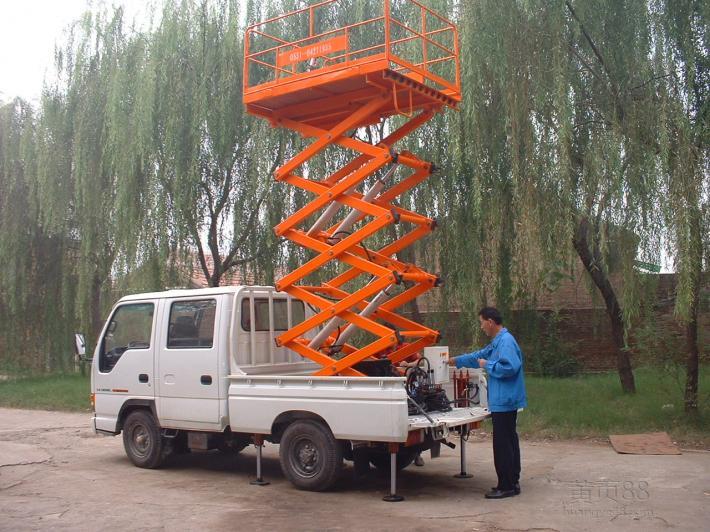 汽车型升降机